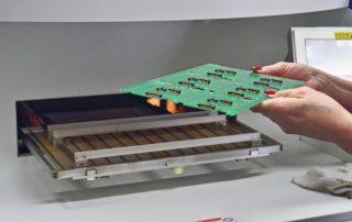 Bestueckung der Dampfphasenlötanlage Close IMGP Idea  k